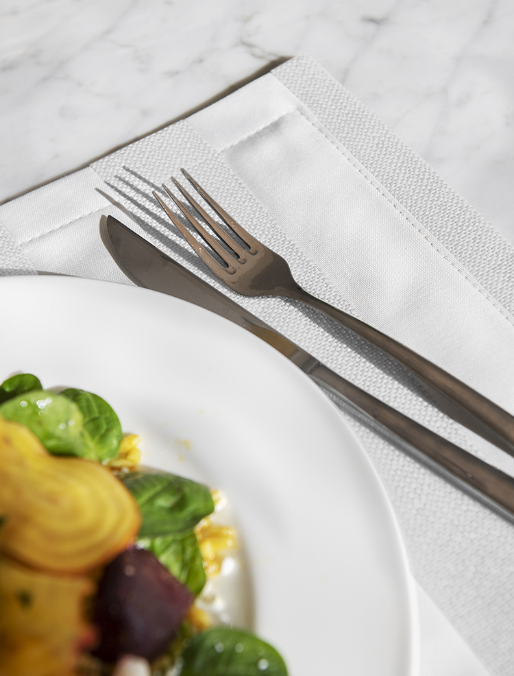 WHITE COLLECTION_WIDE STRIPE_PLACEMAT